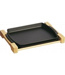 Staub: Teller mit Holzunterlage rechteckig, 33x23cm